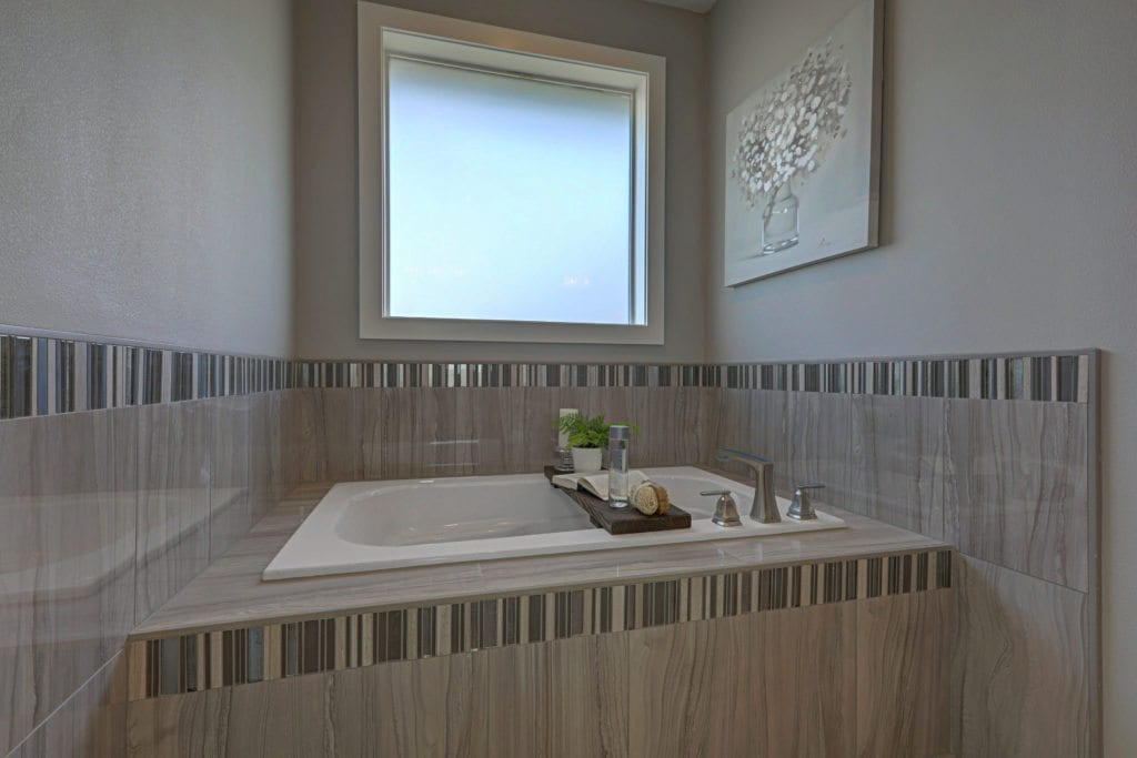 Color trends. Warm, cozy master bath. Encore home in Archer Estates neighborhood in Pasco, Washington. Prodigy Homes, Inc. is building new homes in Kennewick, Richland, West Richland and Pasco, Washington.