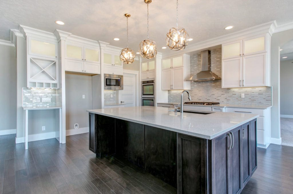Sparkling transitional kitchen in Kennewick's Summitview neighborhood. Built from our Beethoven floorplan. Prodigy Homes, Inc. is building new homes in the Tri-Cities Washington.