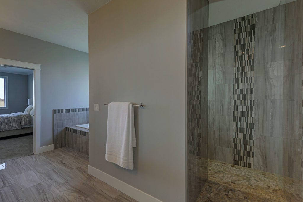 Master bath with open shower in Pasco's Archer Estates neighborhood. Prodigy Homes, Inc. is building new construction homes in Kennewick, Richland, West Richland, and Pasco, Washington.